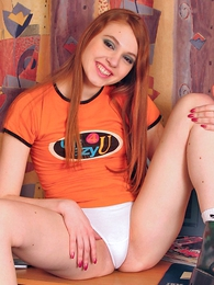 Girl in panties photo - Young Leeloo has a beautiful smile increased by perfect body!